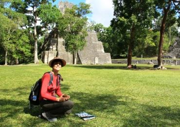 Professionelle online Spanisch-Dozentin Laura hilft zum Lernerfolg