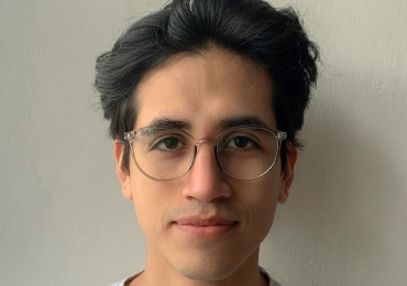 Spanish native speaker José Fernando offers online lessons