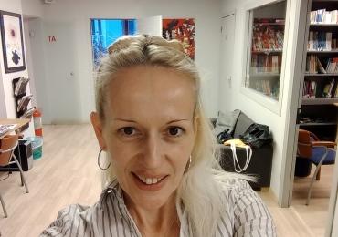Muttersprachlerin und Professorin Natasa unterrichtet Serbisch in München