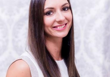 Leidenschaftliche Lehrerin Kornélia gibt online Deutsch Privatunterricht